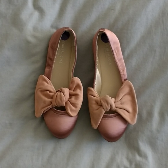 7f3784b33ba1 NWOB Kenneth Cole satin ballet bow flats